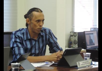 Ronaldinho apresenta projeto para segurança dos alunos de Tietê